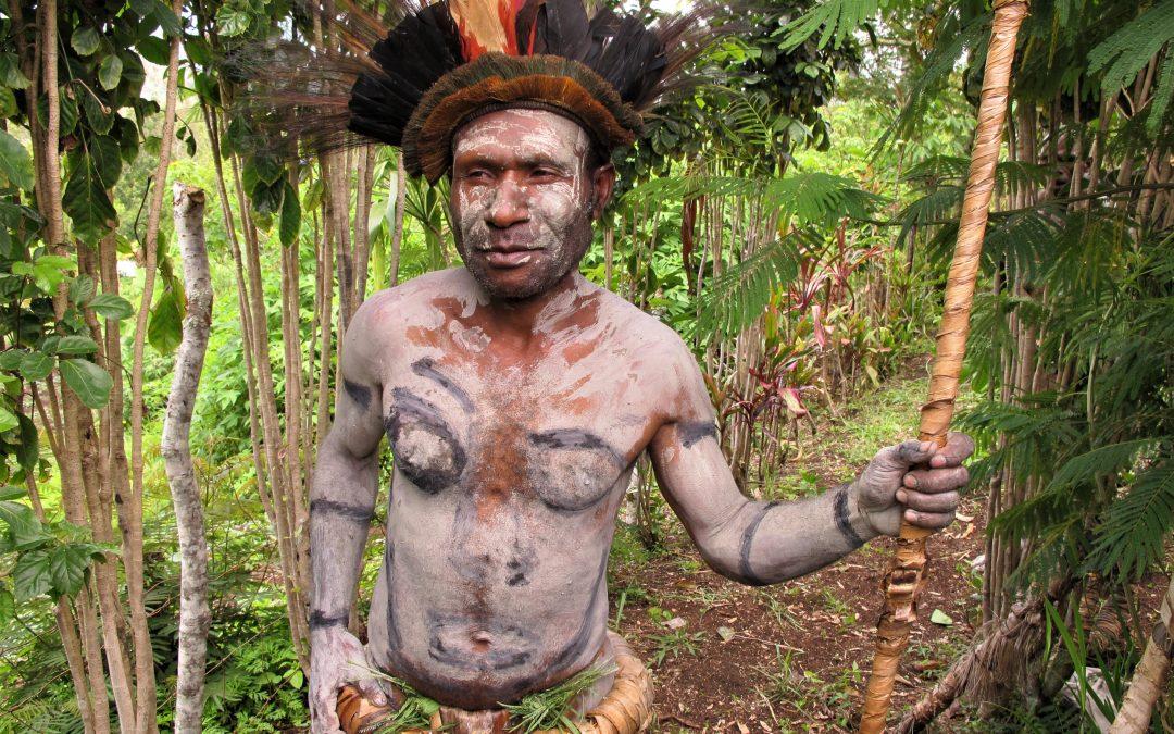 Krigsdans for muddermændene fra Asaro-floden